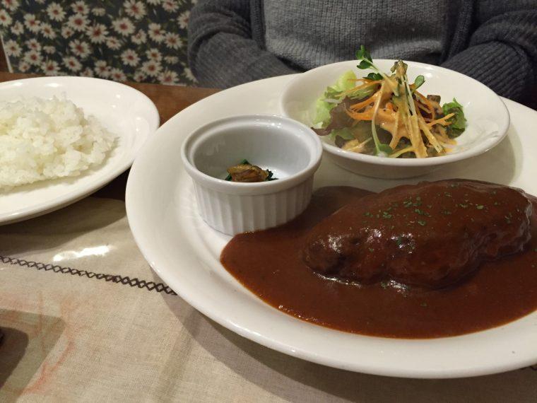 チーズハンバーグ(サラダ付) ※デミグラソース